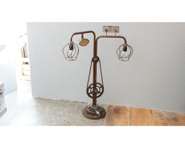 Tischlampe Tischleuchte Industrial Upcycling Recycle Metall Vintage