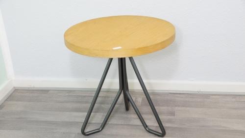 beistelltisch rund metall echtholzfurnier braun schwarz skandinavisch urban mode ebay. Black Bedroom Furniture Sets. Home Design Ideas